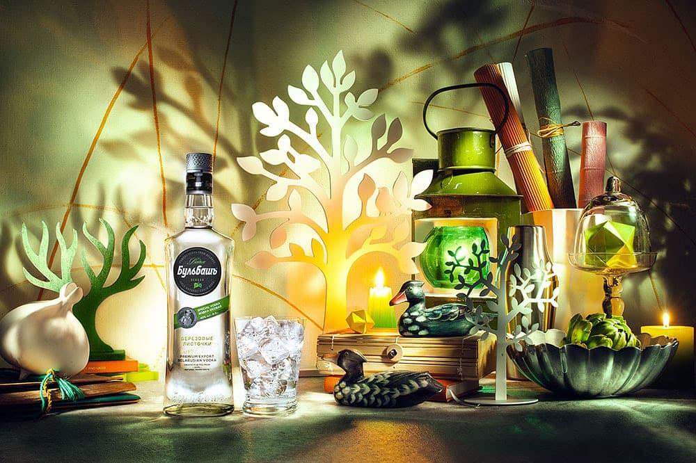 Bulbash-Osobaja-Birkenblättchen-Wodka-in-szene-gesetzt-thetankcompany.de