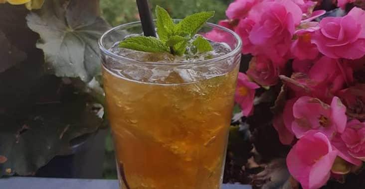 Cocktailrezepte von der The Tank Company Schnapsbar _ Mai Tai mit Death in Pardise Rum